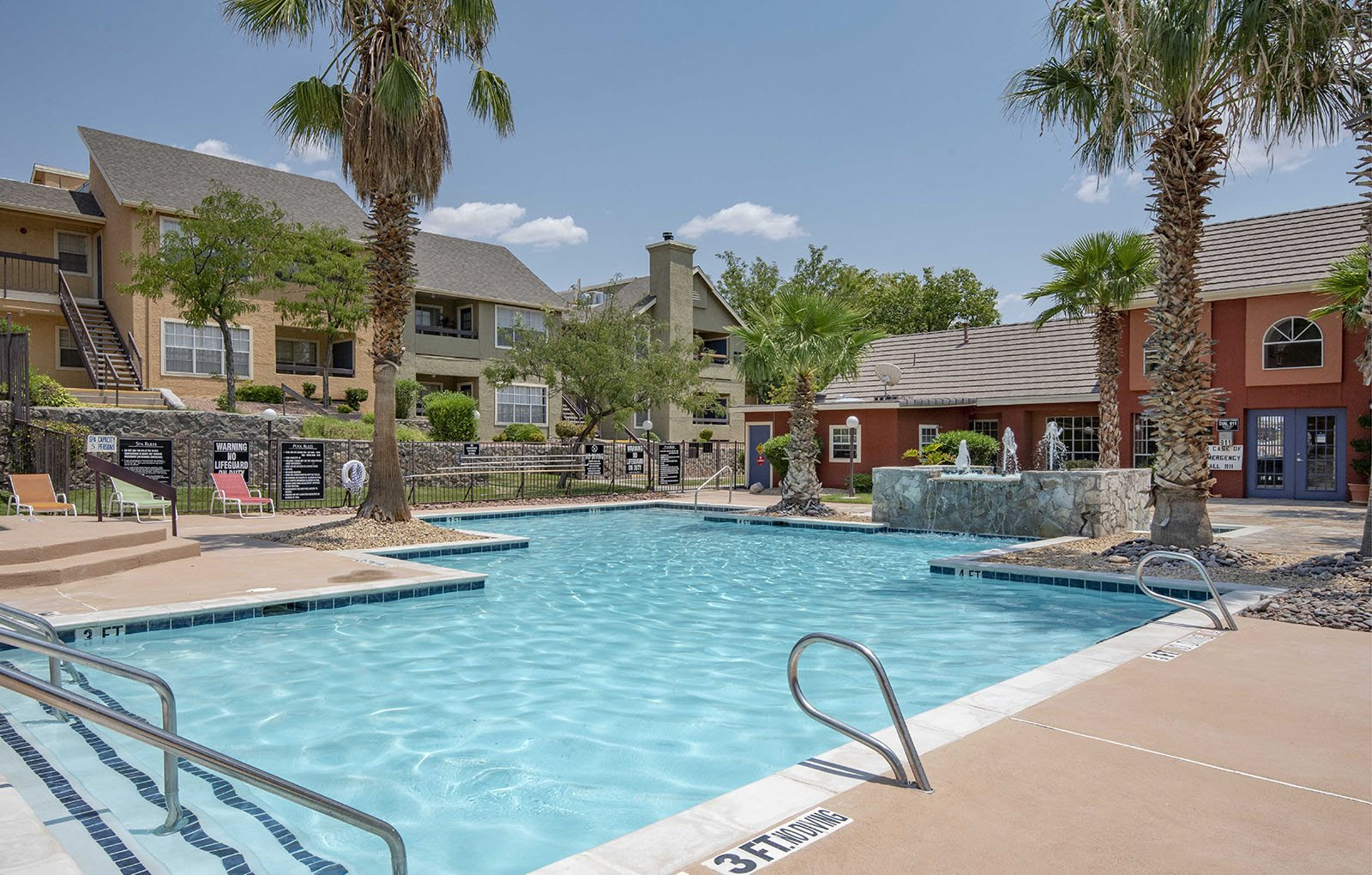 Pool and lounge chairs l Ryans Crossing in El Paso, TX