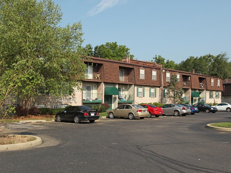 Apartments in New Albany, IN Parking