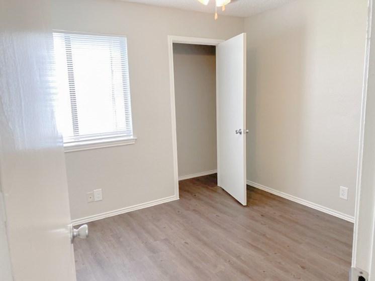 B1 - Cottages Bedroom 2