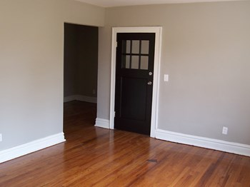1927 Ann & Mississippi 1 Bed Apartment for Rent Photo Gallery 1