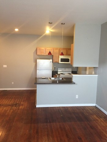 2235-37 indiana 1-2 Beds Apartment for Rent Photo Gallery 1