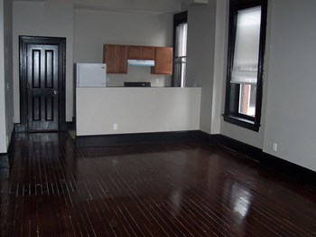 2742-44 Osage Street 1-2 Beds Apartment for Rent Photo Gallery 1