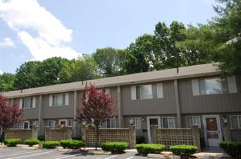 161 Hoffman Ave 2 Beds Apartment for Rent Photo Gallery 1