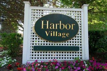 40 Harbor Village Drive 1-2 Beds Apartment for Rent Photo Gallery 1
