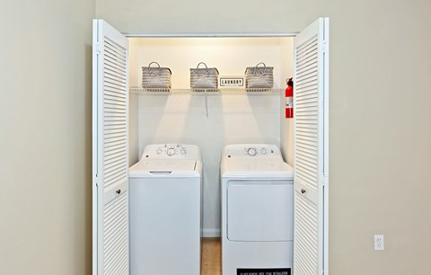 Dominium_Vermillion_Laundry Room