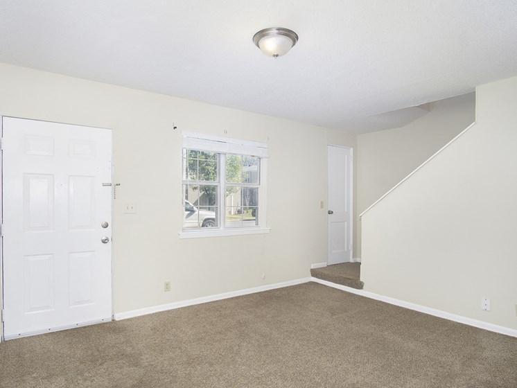 Oaks at Sylacauga living Room