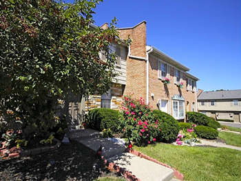 8269 Kingsmere Ct 2-3 Beds Apartment for Rent Photo Gallery 1