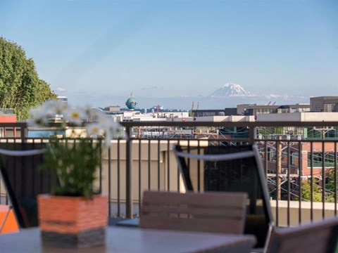 Seattle Apartments - Canvas Apartments - Community Rooftop Deck and View of Mount Rainier