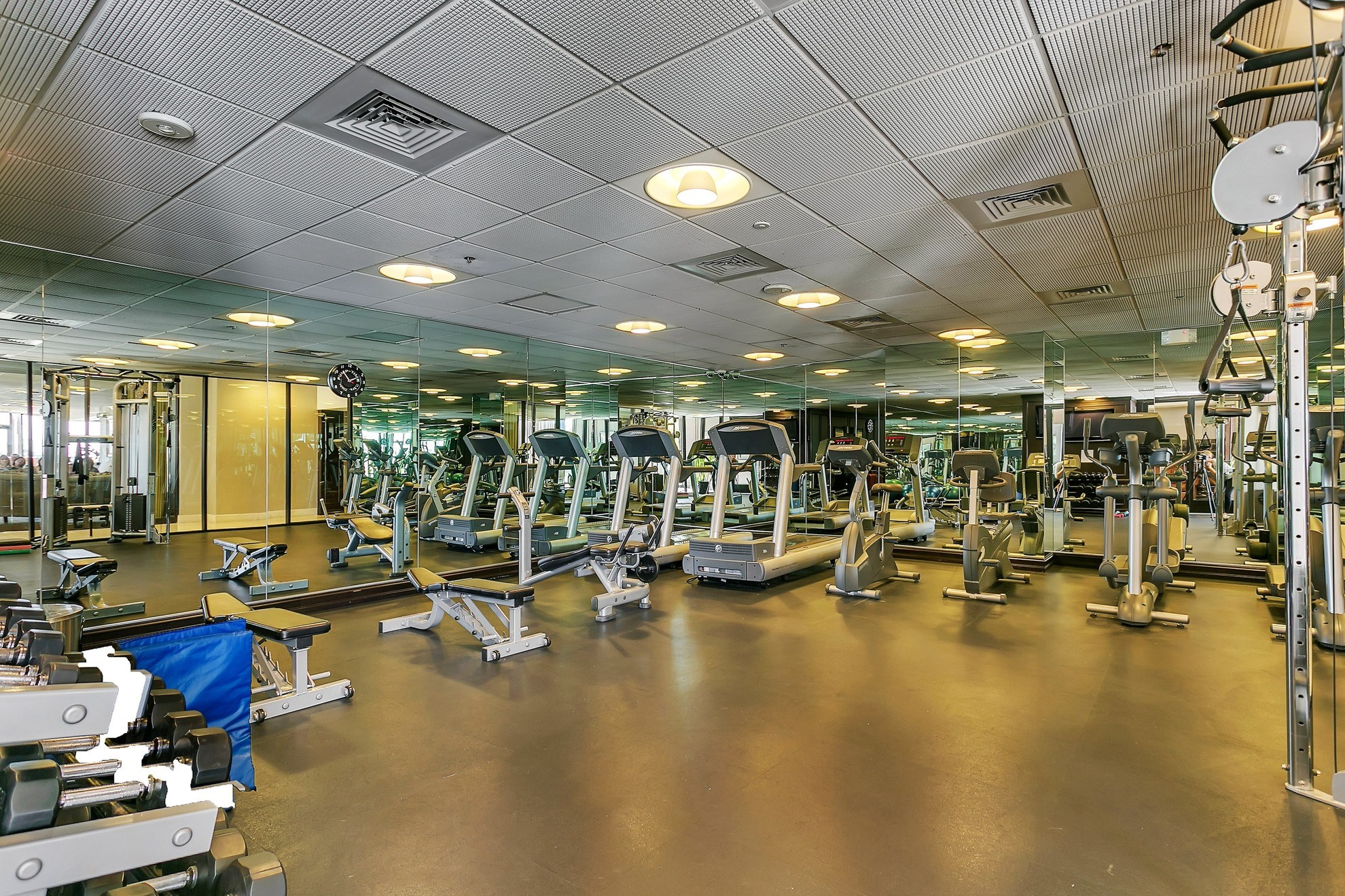 24/7 Fitness center with cardio and weights