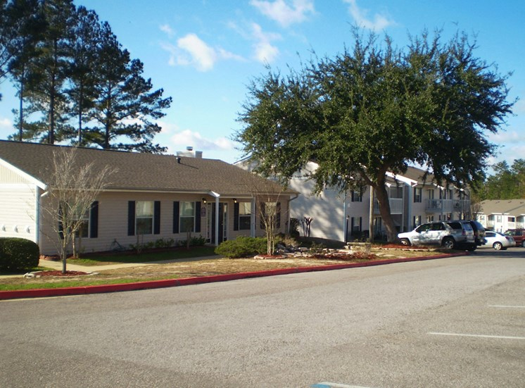 office and parking area at Autumn Chase