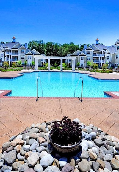 Fenwyck Manor apartments in Chesapeake, VA pool