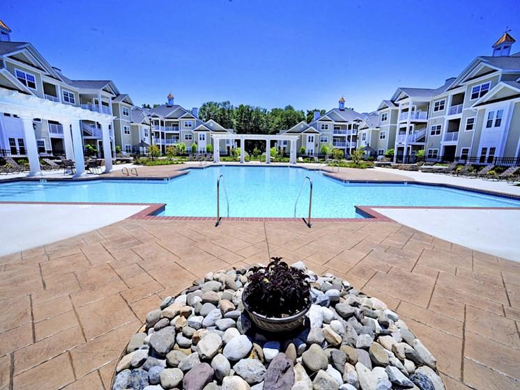 Fenwyck Manor Apartment Homes Chesapeake, Greenbrier VA 23320 sparkling swimming pool