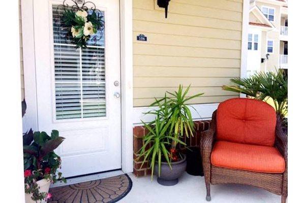 Fenwyck Manor Apartments Chesapeake, VA 23320 private patio or balcony