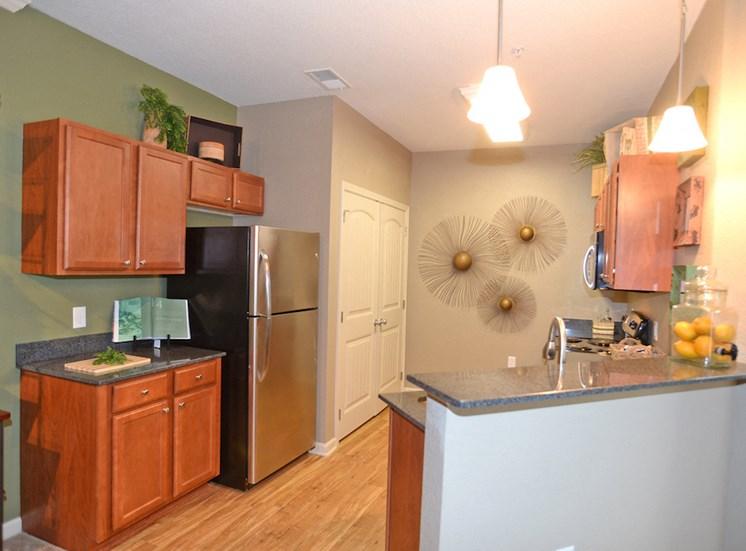 Fenwyck Manor Apartment Homes Chesapeake, Greenbrier VA 23320 spacious kitchen
