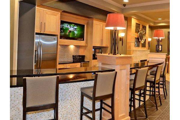 Fenwyck Manor Apartments Chesapeake, VA 23320 complimentary coffee bistro