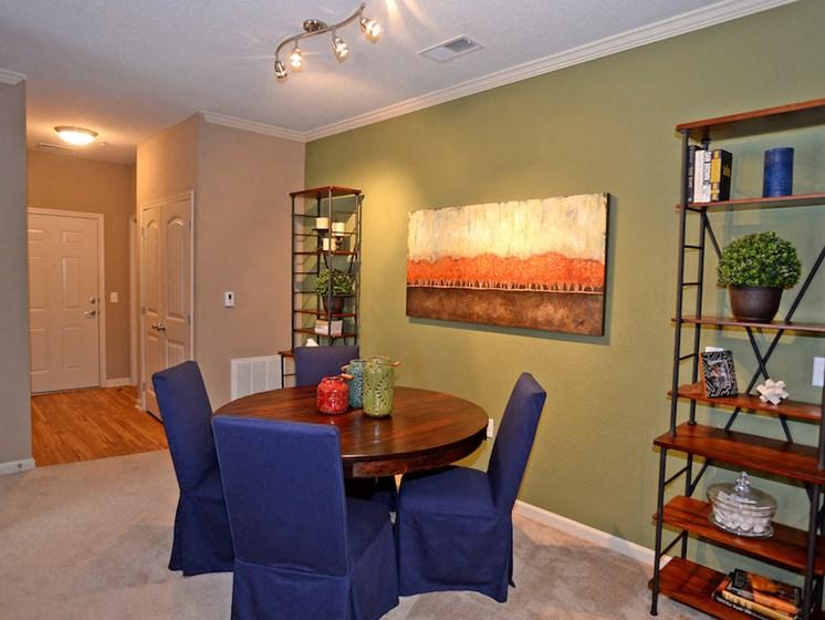 Fenwyck Manor Apartment Homes Chesapeake, Greenbrier VA 23320 dining room
