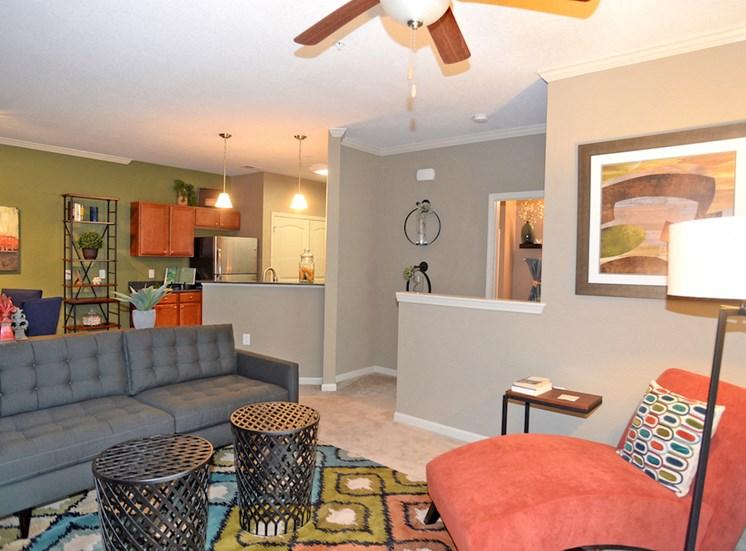 Fenwyck Manor Apartment Homes Chesapeake, Greenbrier VA 23320 spacious living room