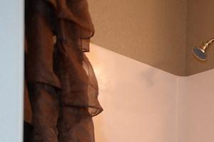 Fenwyck Manor Apartment Homes Chesapeake, Greenbrier VA 23320 guest bathroom
