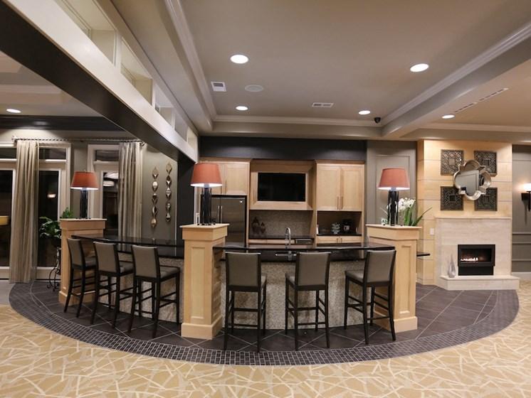 Fenwyck Manor Apartment Homes Chesapeake, Greenbrier VA 23320 clubhouse wifi bistro