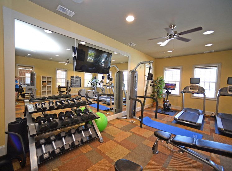 Fenwyck Manor Apartment Homes Chesapeake, Greenbrier VA 23320 state of the art fitness center