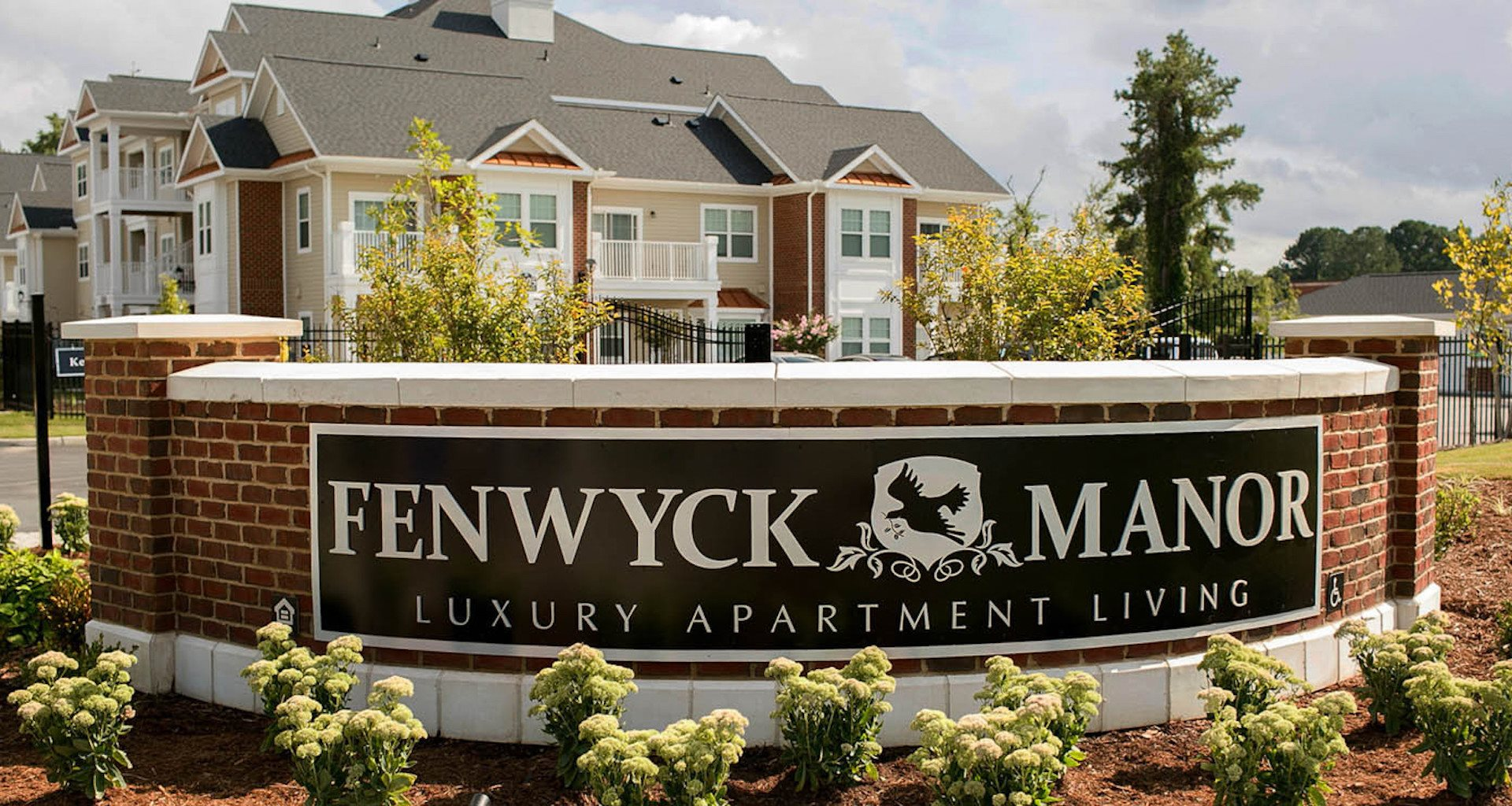 Fenwyck Manor Apartments Chesapeake, VA 23320 sign entrance to the community
