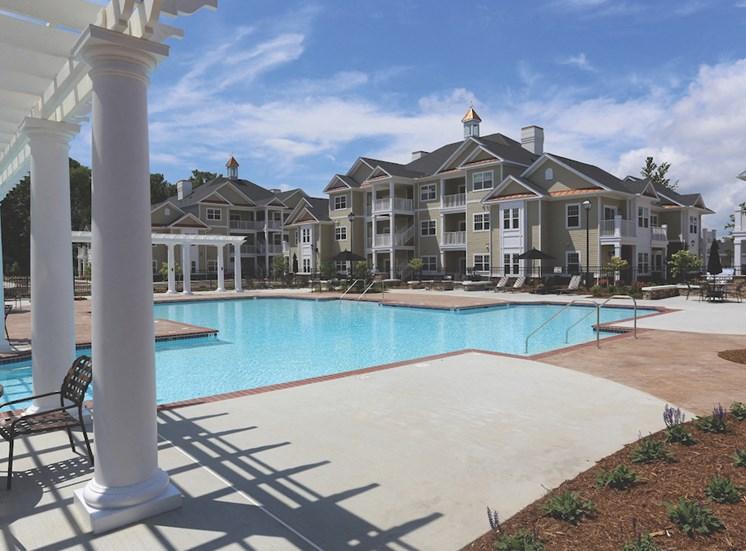 Fenwyck Manor Apartment Homes Chesapeake, Greenbrier VA 23320 pool and aqua deck