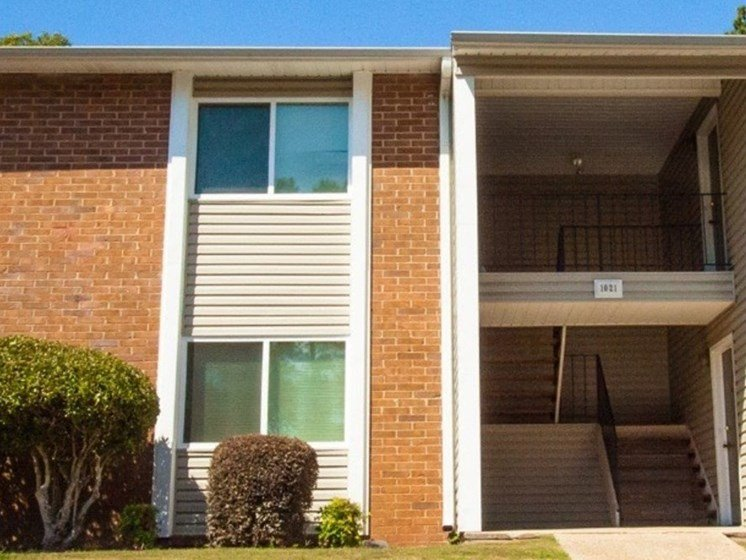 Mountain Woods Apartment Homes Homewood Birmingham, AL 35209 brick and siding exteriors