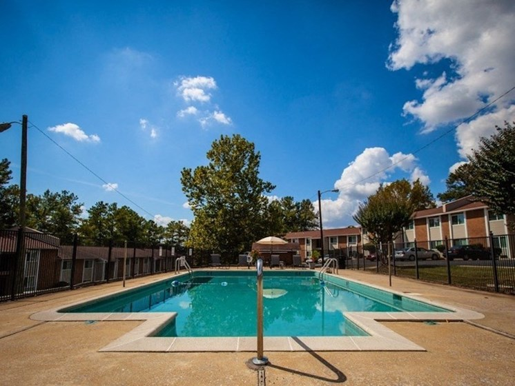 Mountain Woods Apartment Homes Homewood Birmingham, AL 35209 pool and expansive sundeck