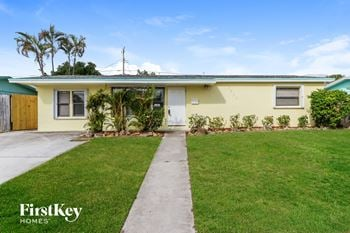 3695 Florida Blvd 3 Beds House for Rent Photo Gallery 1