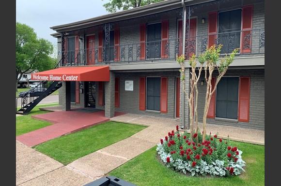 Willow Tree Apartments 4910 Allendale Houston Tx Rentcafé