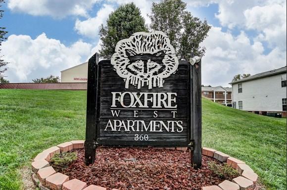 Foxfire West Apartments 360 South Rosenberger Avenue Evansville In Rentcafe