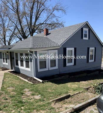 2901 S Sterling Ave 4 Beds House for Rent Photo Gallery 1