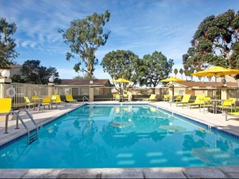 1555 Satellite Blvd 1-2 Beds Apartment for Rent Photo Gallery 1