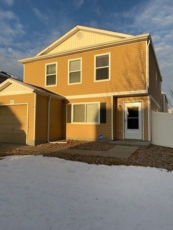 18647 East 45th Place 3 Beds House for Rent Photo Gallery 1