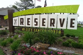 2401 W. Sam Houston Pkwy N 1-2 Beds Apartment for Rent Photo Gallery 1