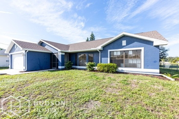 906 Sw 11Th Ct 3 Beds House for Rent Photo Gallery 1