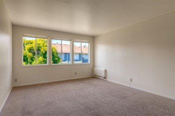 11060 NE 2Nd AVE 2 Beds Apartment for Rent Photo Gallery 1