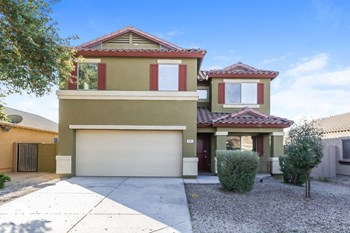 9921 W Hilton Ave 4 Beds House for Rent Photo Gallery 1