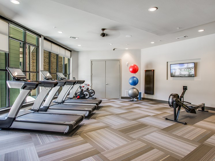 Bell Frisco Market Center apartments fitness center