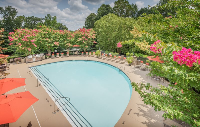 Waterford Place Apartments Luxury Pool Deck