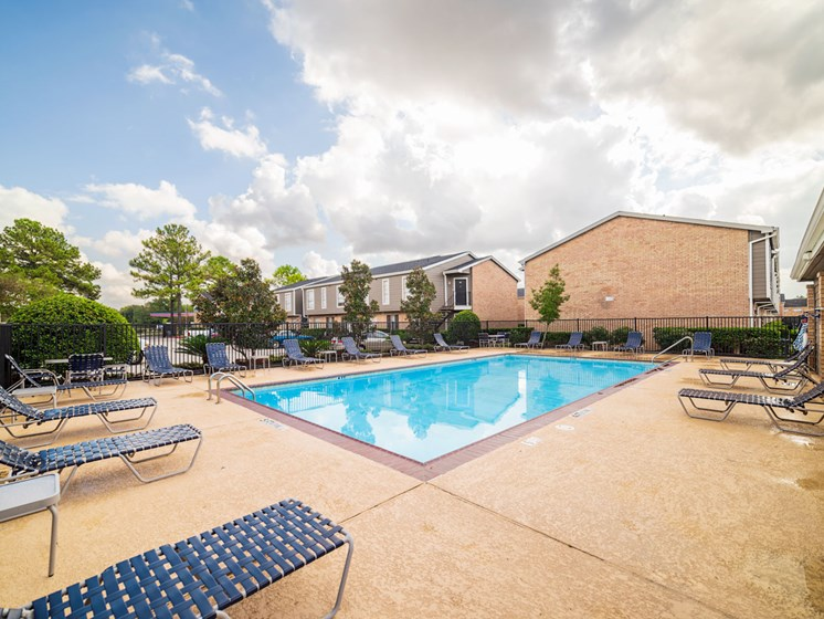 Swimming Pool With Relaxing Sundecks at The Alara, Houston, Texas