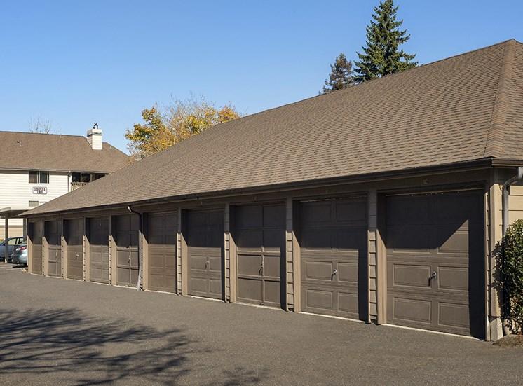 Rivergreens Apartments - Garages
