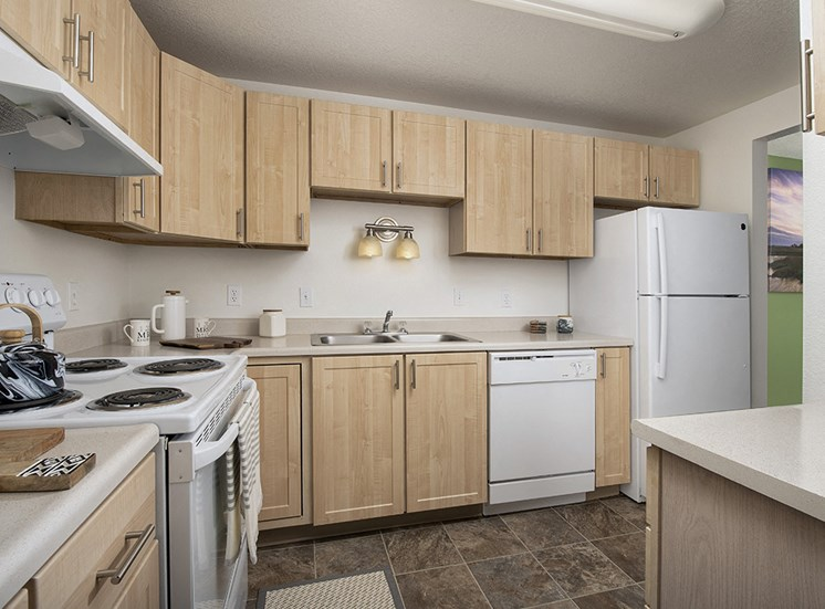 Rivergreens Apartments - Kitchen