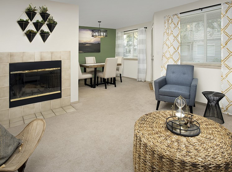 Rivergreens Apartments - Living & Dining Room