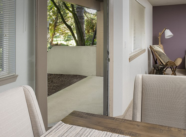 Rivergreens Apartments - Patio