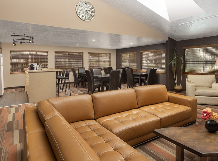 Creekside Apartments - Clubhouse Seating Area