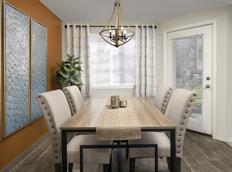 Creekside Apartments - Dining Room