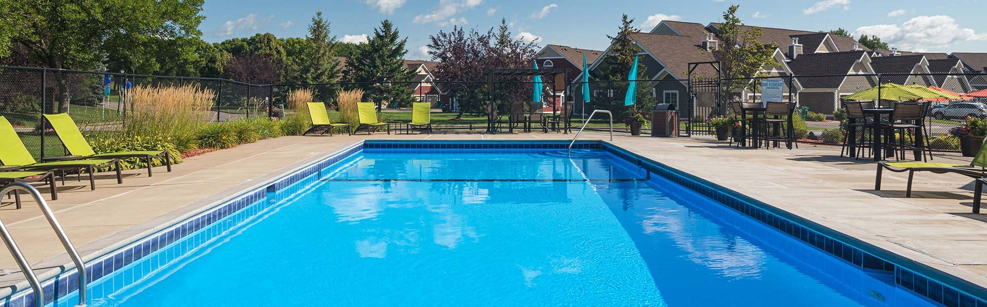Bass Lake Hills - Outdoor Pool