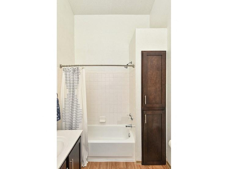 Bass Lake Hills Townhomes - Bathroom