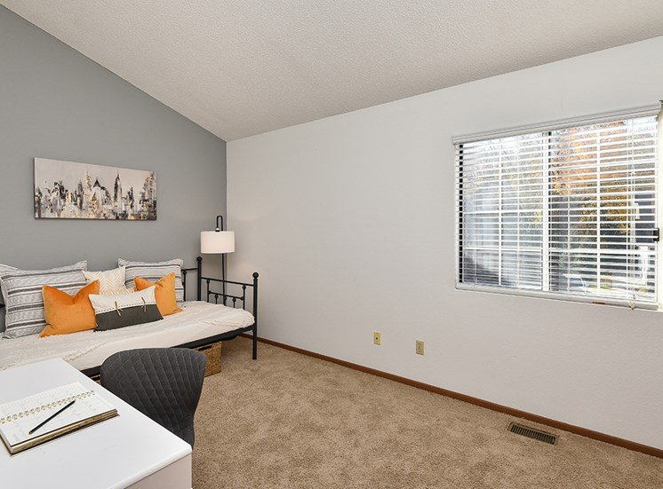 Bass Lake Hills Townhomes - Bedroom